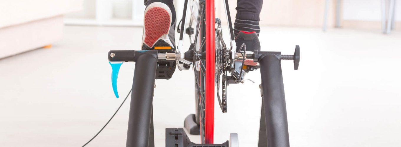 Entrenamiento con rodillo o cómo subirse a la bici sin salir de casa