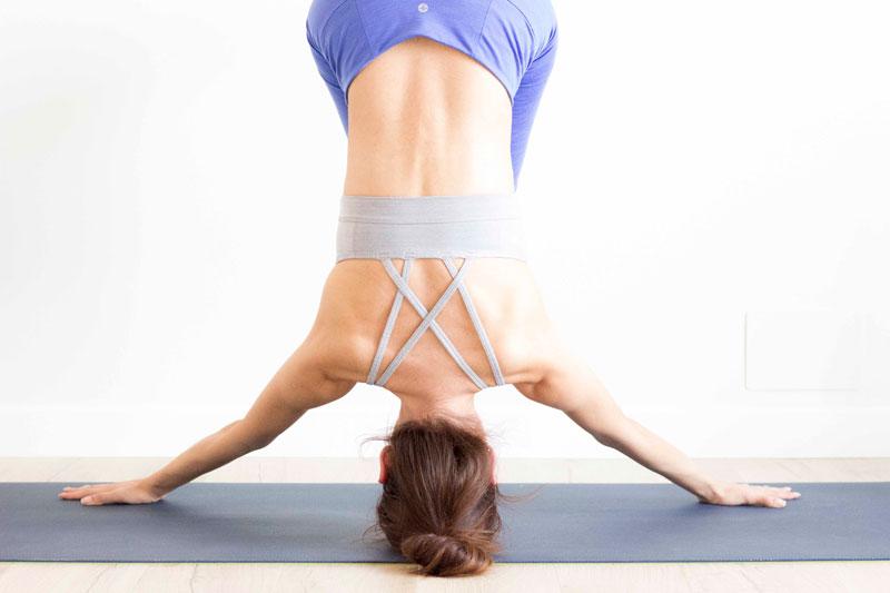 Yoga:columna vertebral sana