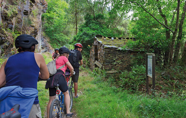 San Tirso de Abrés. Turismo Asturias