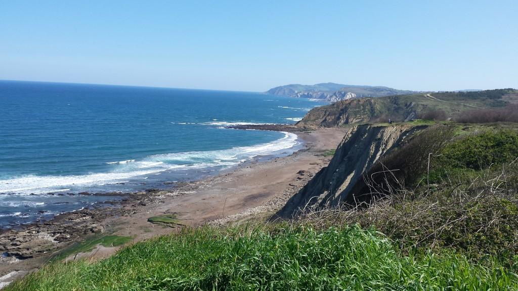 Acantilado y playa