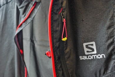 Detalle de la Salomon Fast Wing Jacket