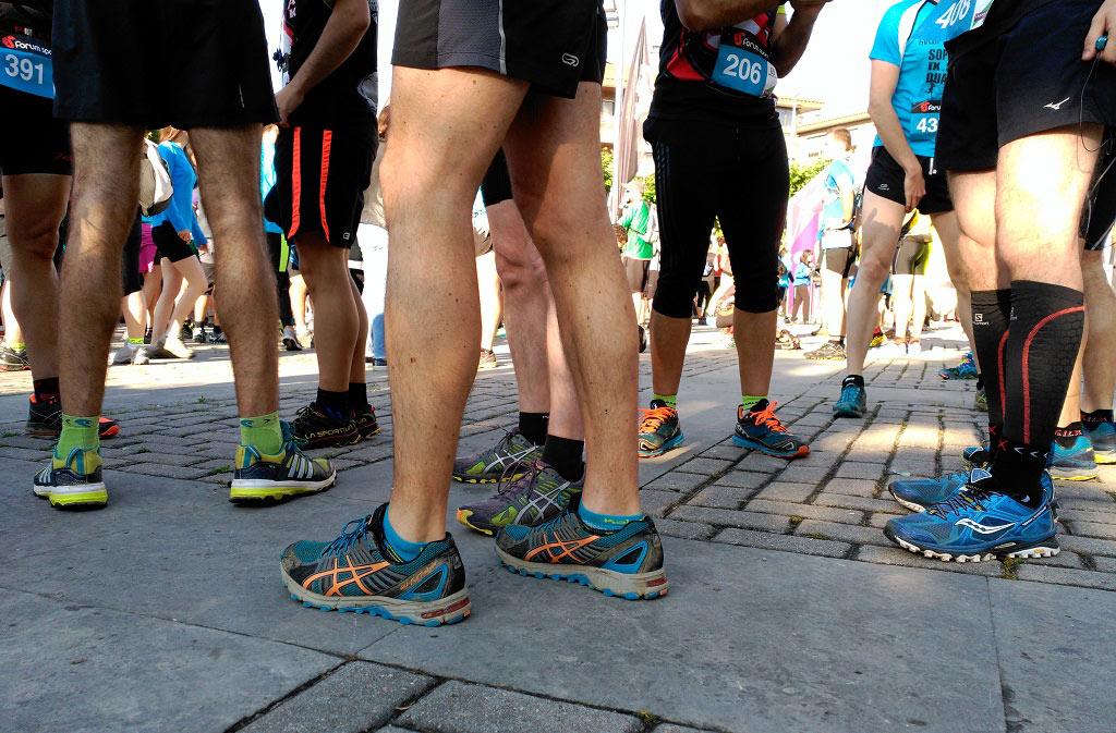 Detalle zapatillas corredores